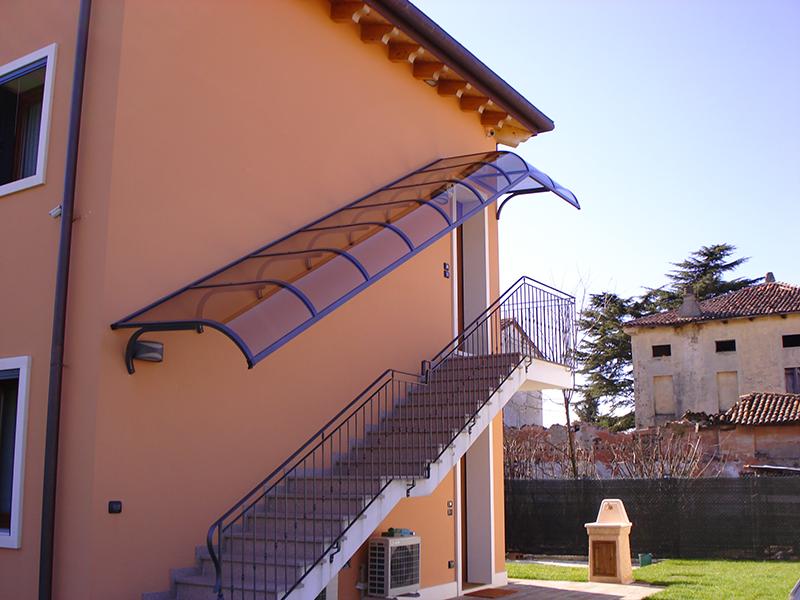 Pensiline copertura scale esterne roof srl - Scale da esterno in muratura ...